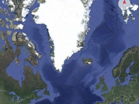 Greeland submarine fiber cable